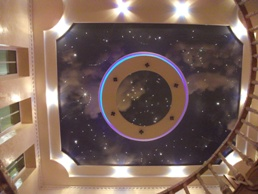 Фотопечать облака и звездное небо на потолке