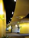 Комбинированный натяжной потолок желтый и черный