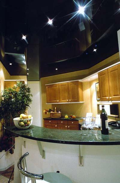 форум.какой сделать цветом фоьо натяжной потолок на кухню