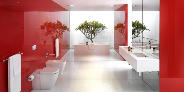 Белый натяжной потолок в ванной