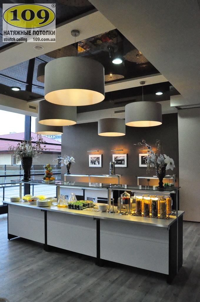 Натяжные потолки ТМ 109 в гостинице Космополит